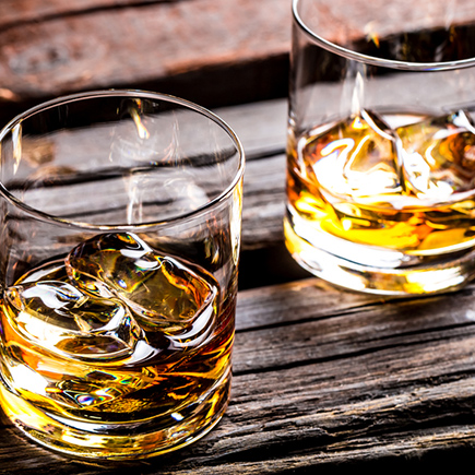 Descubre destilados y licores diferentes